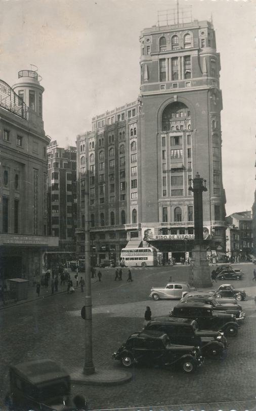 Madrid, Spain - Plaza del Callao y Palacio de la Prensa - pm 1953