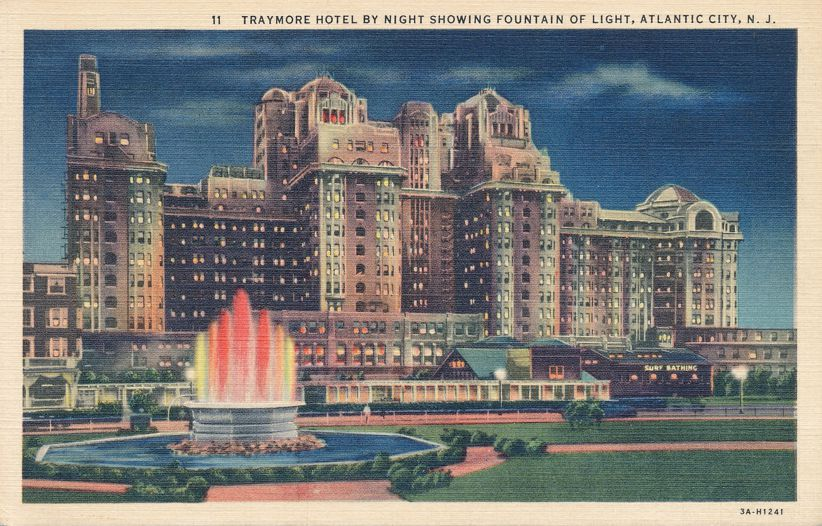 Atlantic City, New Jersey - Traymore Hotel at Night with Fountain of Light - Linen Card