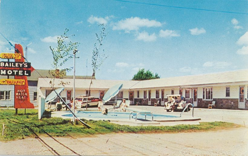 Bailey's Motel at Tupper Lake, Adirondack Mountains, New York - pm 1984 - Roadside