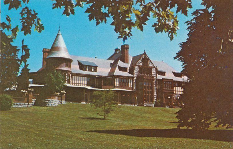 Sunner Cottage Mansioin - Sonnenberg Gardens - Canandaigua, New York