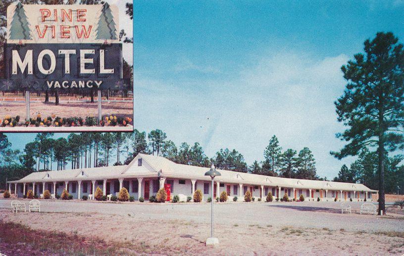 Pine View Motel north of Sylvania, Georgia - Roadside