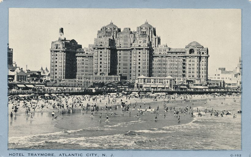 Atlantic City, New Jersey - Beach Scene - Bathers at Hotel Traymore - White Border