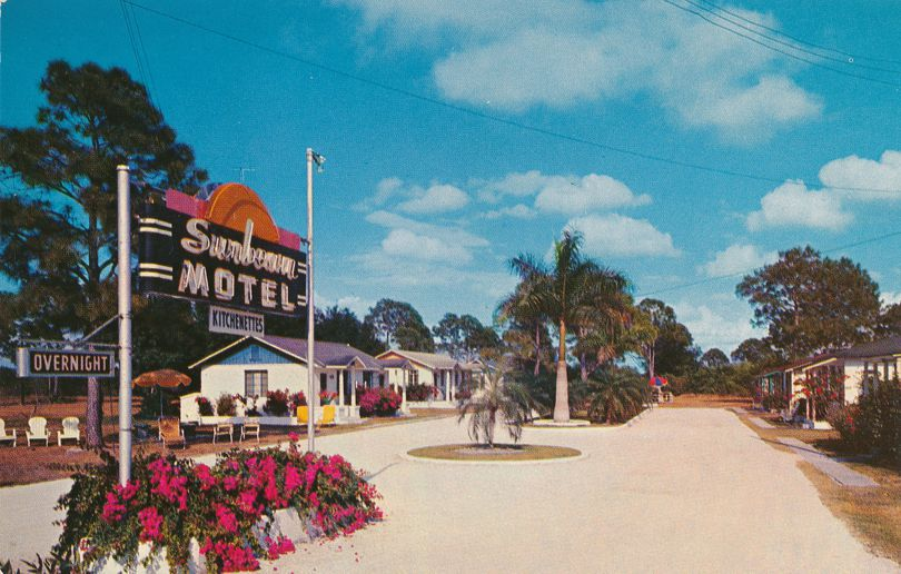 Sunbeam Motel on Cleveland Avenue - Fort Myers, Florida - Roadside