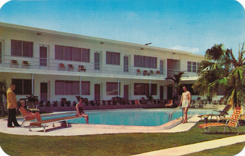 Beach and Town Apartments - Hollywood, Florida - Motel Like - Roadside
