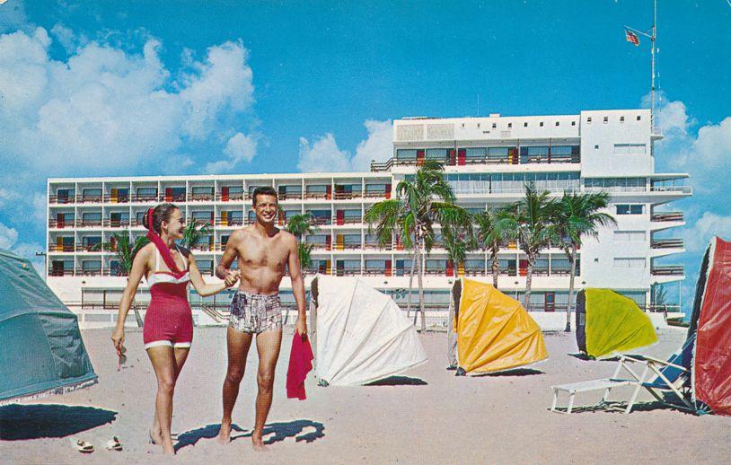 Fort Lauderdale, Florida - Beach Scene at Yankee Clipper Resort