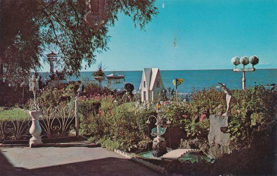 Crescent Beach Hotel, Rochester, New York - Lake Front Gardens