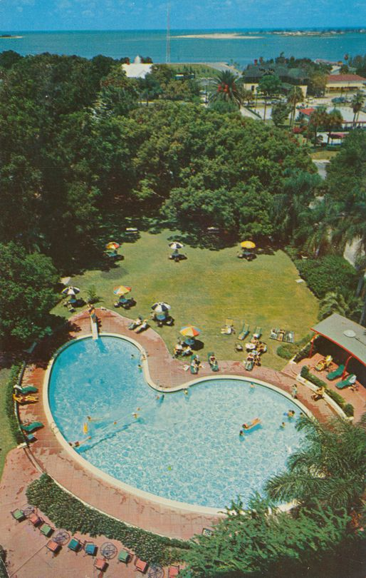Clearwater Beach, Florida - Swimming Pool at Fort Harrison Hotel - pm 1985