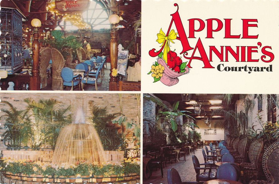 Orlando, Florida - Apple Annie's Courtyard - Roadside