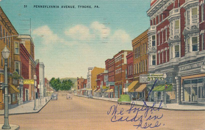 Tyrone, Blair County, Pennsylvania - Street Scene on Pennsylvania Avenue - pm 1950 - Linen Card