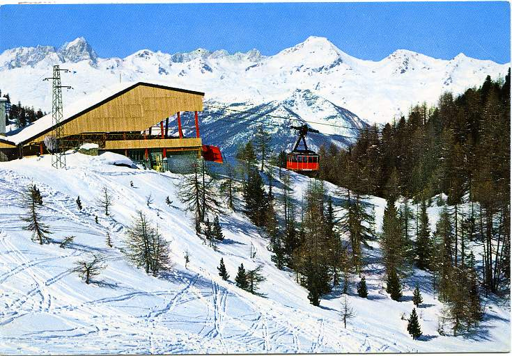 Ski Italy - Cablecar from Aosta Valley to Grand Grimond - Skiing