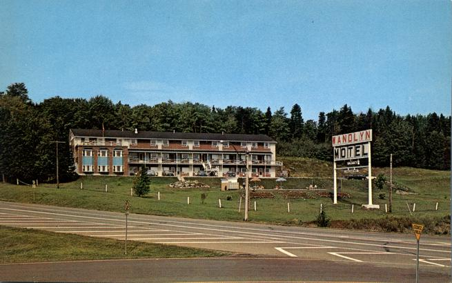 Woodstock (NB) Canada  city pictures gallery : ... Motel at Woodstock, New Brunswick, Canada Store Item# HOMERBOB21010