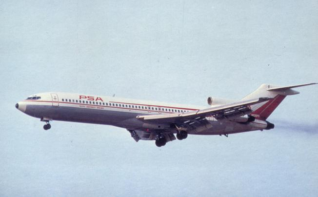 Pacific Southwest Airlines - Boeing 727 - Landing Gear Ready
