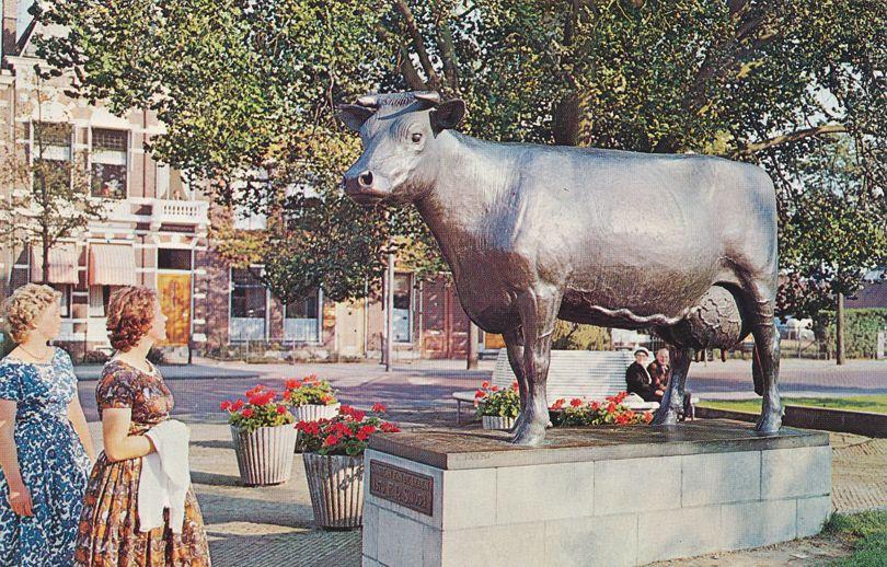 Friesian Cow Statue - Leeuwarden, Netherlands - Roadside