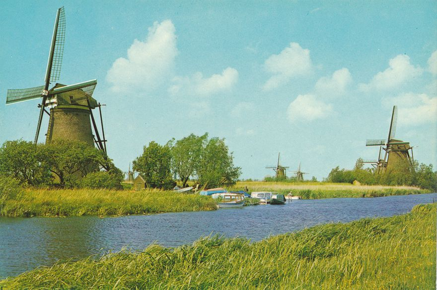 Drainage Windmills of the Kinderdijk Complex - Holland - Netherlands
