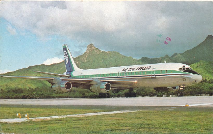 Air New Zealand - Douglas DC-8 Jet - Aviation - pm 1977 at Papeete Tahiti